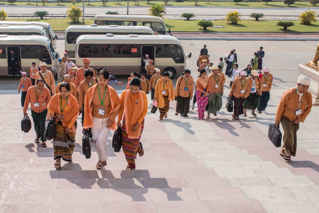New NLD parliamentarians enter Myanmar's Union Parliament in Naypyidaw, in February 2016 (Aung Naing Soe)