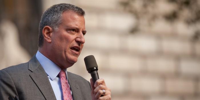 New York Mayor Criticises EU over Migrant Relocation Bickering