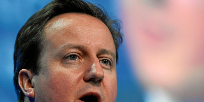 """Cameron Under Fire For """"Swarm of People"""" Comment"""
