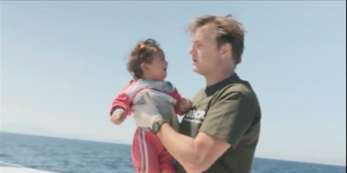 Walking Dead Actor David Morrisey Helps Out in Mediterranean Crisis