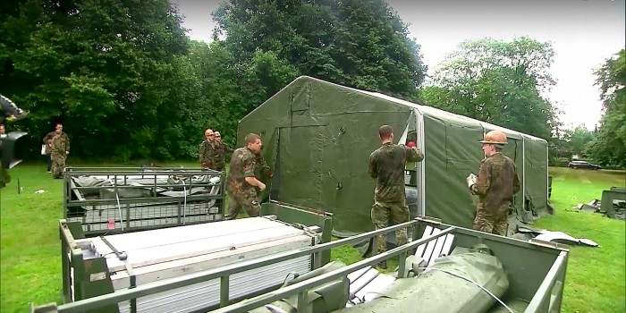 German Army Steps in to Build Shelters for Newcomers
